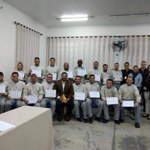 Formatura da 1ª Turma do Curso de Formação de Eletricistas de Distribuição, uma iniciativa da ETEC Itapetininga e CPFL, com apoio da Fundação FAT